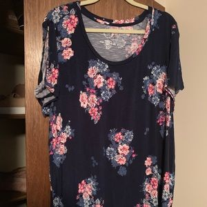 Maurices Navy Blue Floral T-Shirt 3X NWOT